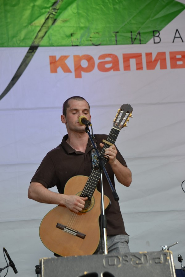 Сергей Харин, вокалист и гитарист Группы Ассура